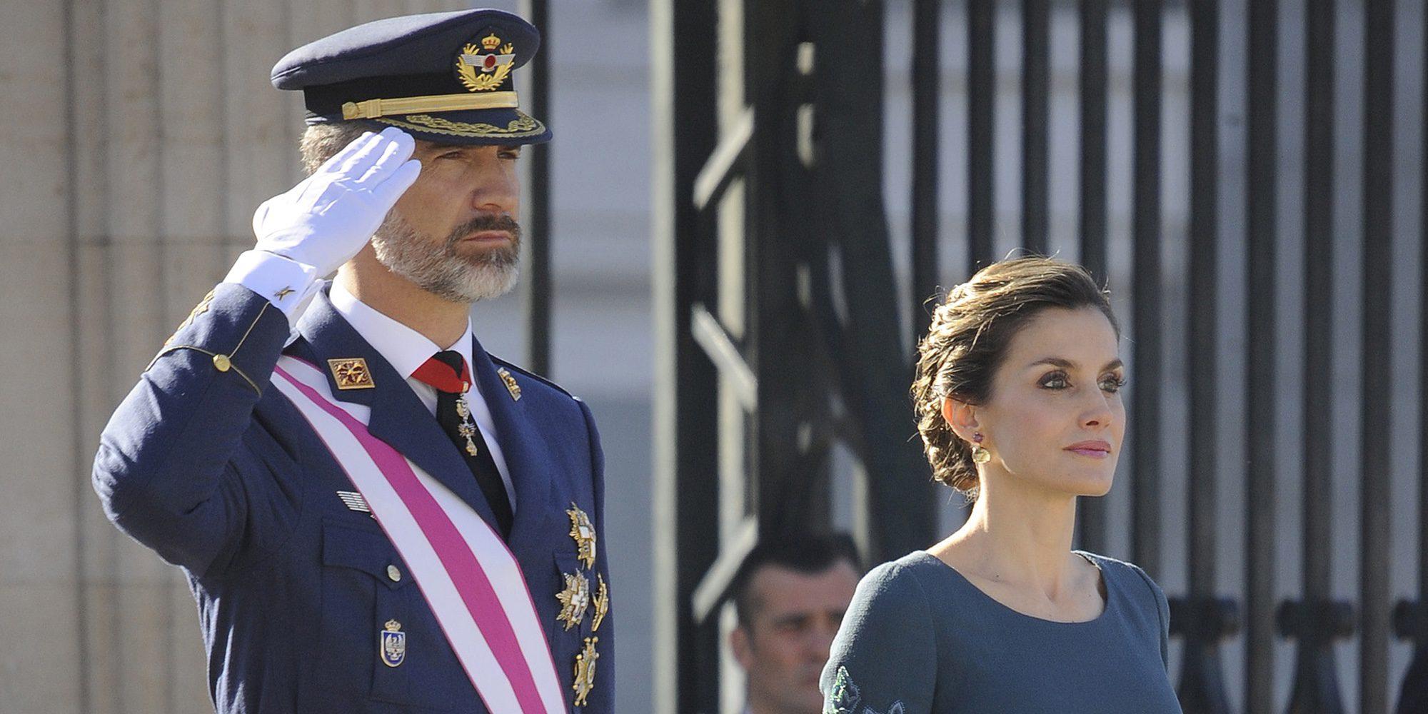 Los Reyes presiden su tercera Pascua Militar, marcada por el look repetido de la Reina Letizia