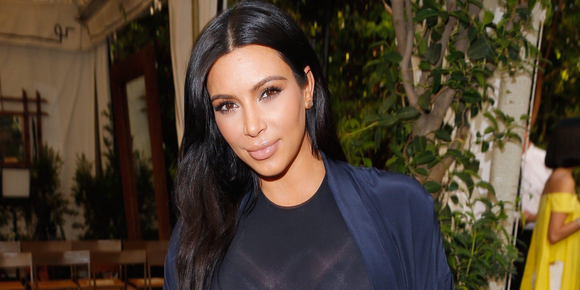 El estrés tras el atraco de París causa a Kim Kardashian psoriasis en la cara