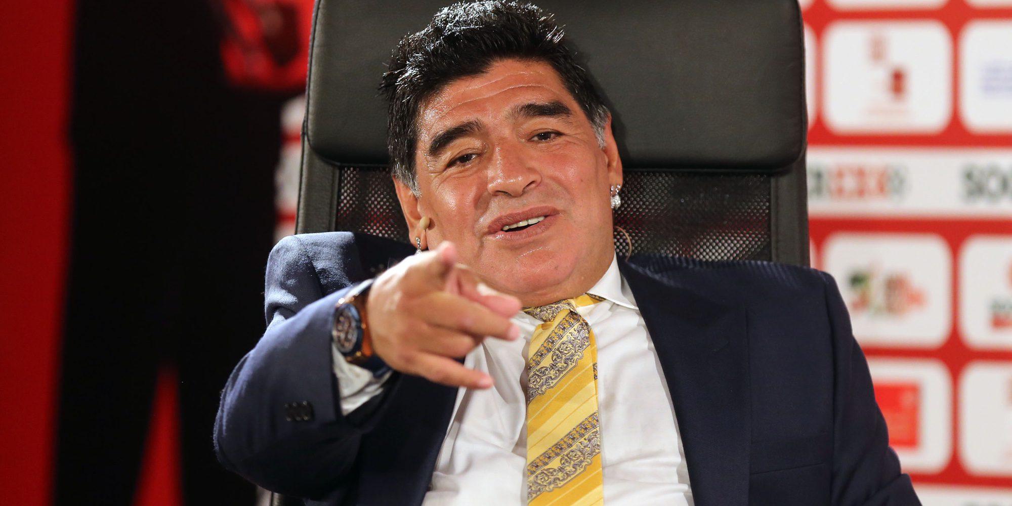 Maradona es interrogado por la Policía Nacional por una supuesta agresión a su novia