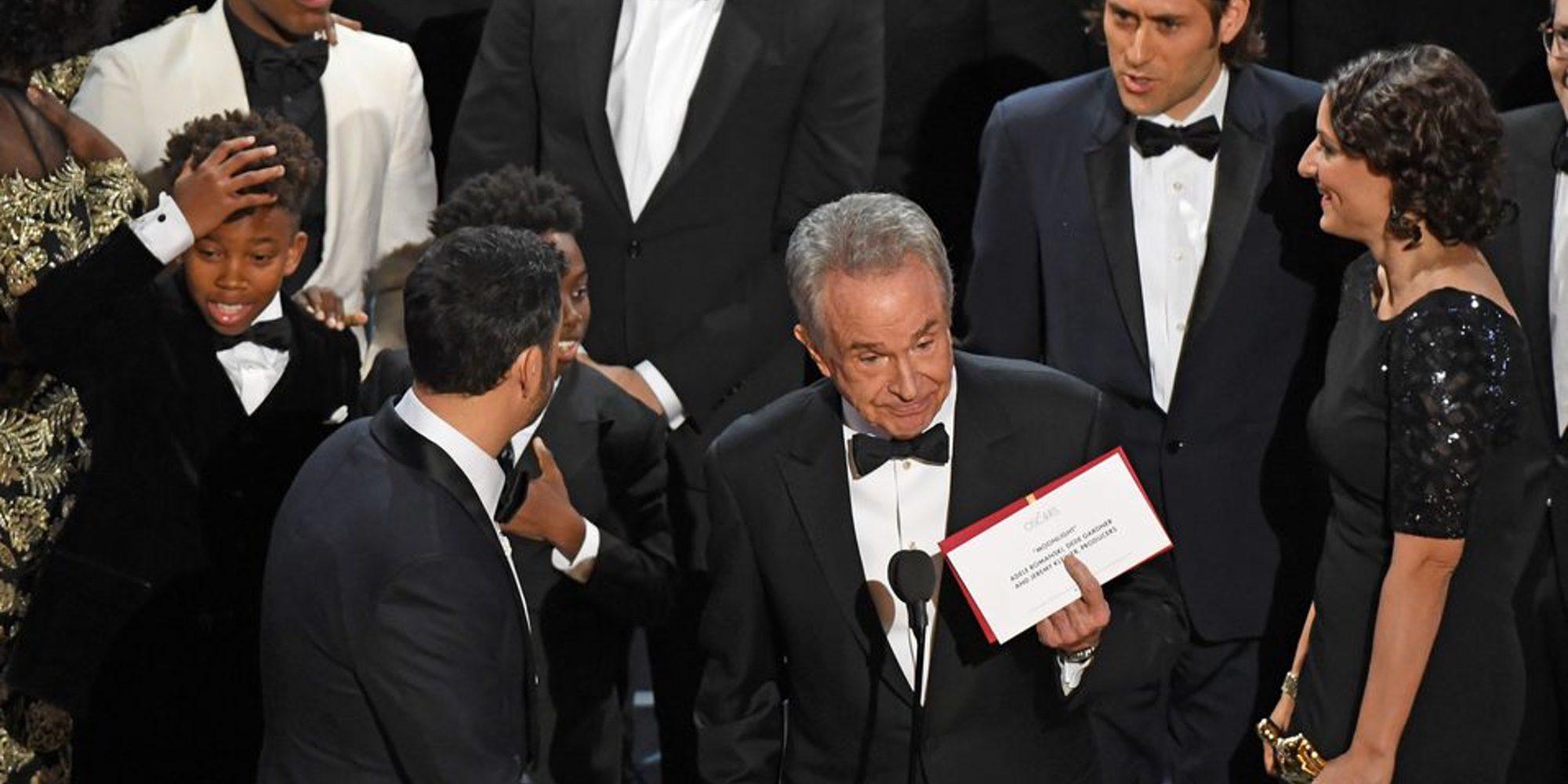Warren Beatty cuénta cómo vivieron él y Faye Dunaway el error de los Oscar 2017 con 'La La Land' y 'Moonlight'