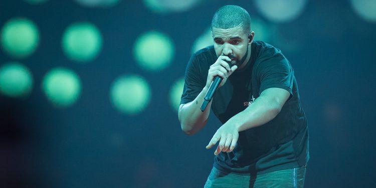 La confesión de Drake: mandaba mensajes a Jennifer Lopez estando borracho