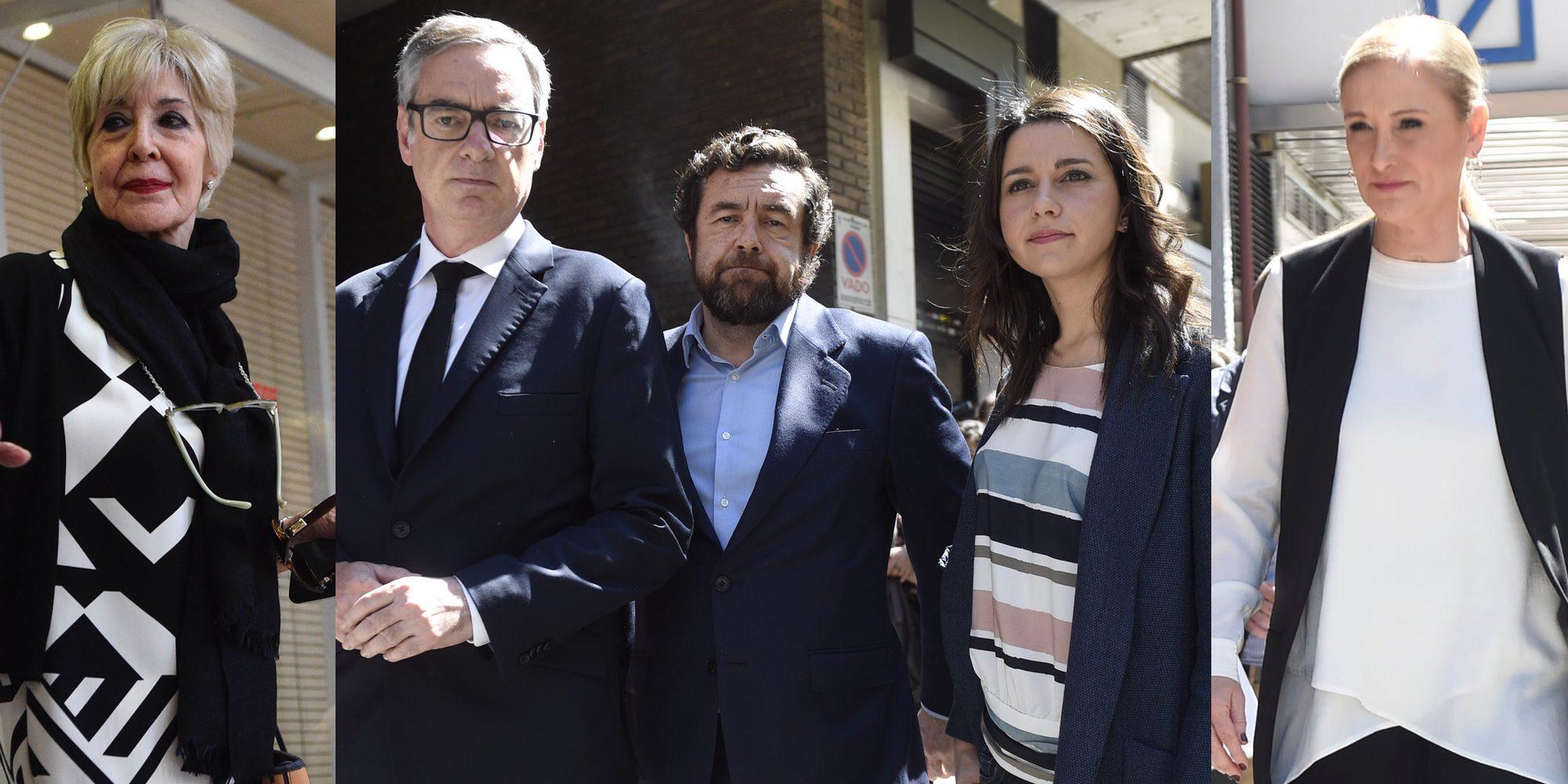 Así ha sido el último adiós a Carme Chacón: Cristina Cifuentes o Concha Velasco van a su capilla ardiente