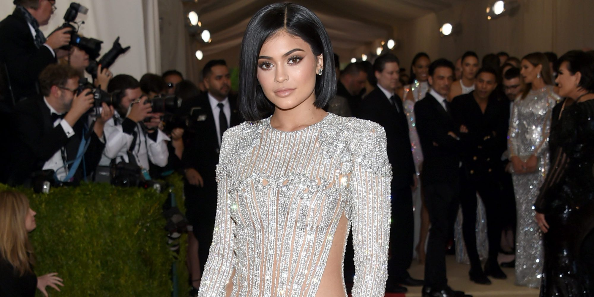 Kylie Jenner, la sorpresa de una graduación: Acompaña a un joven al que habían dado plantón