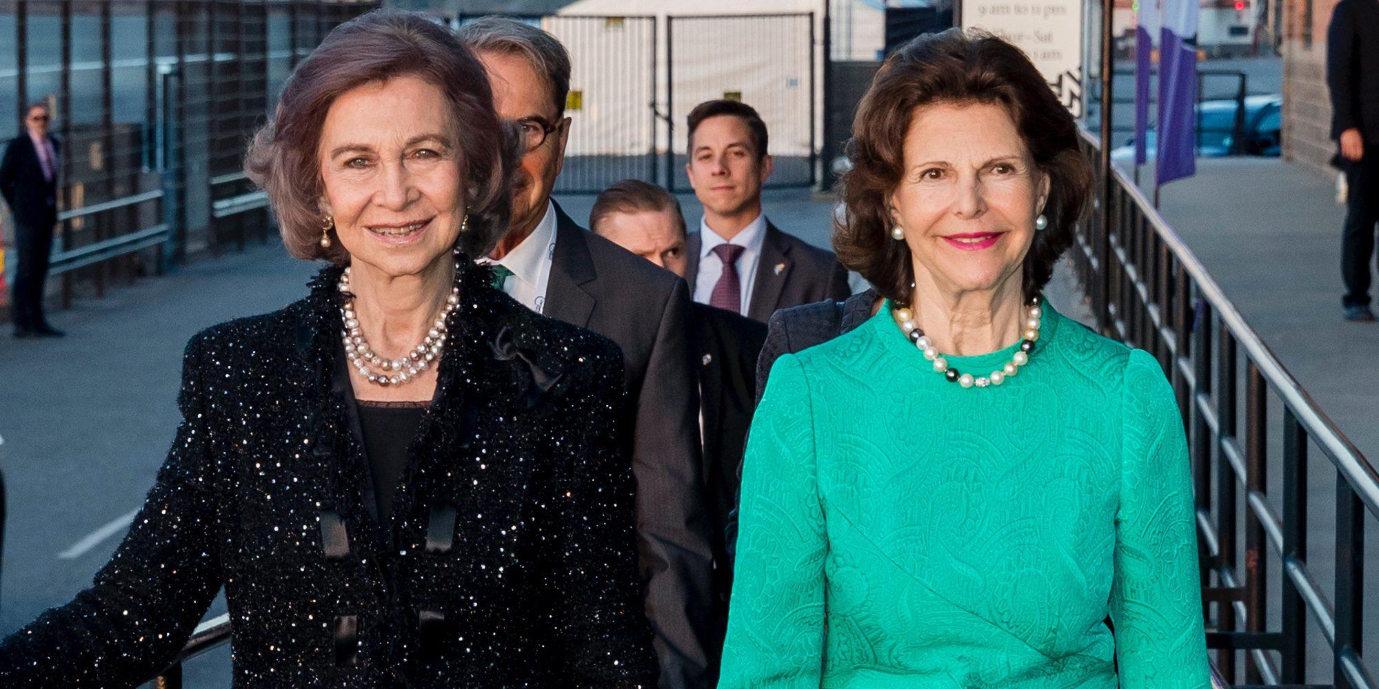 La Reina Sofía se divierte con Silvia de Suecia mientras el Rey Juan Carlos se va a los toros