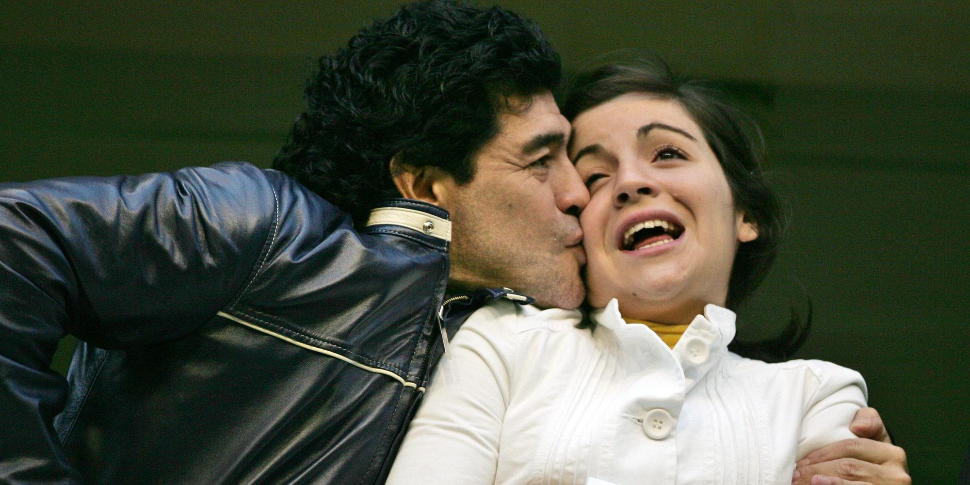 Las hijas de Maradona denuncian a la novia de su padre