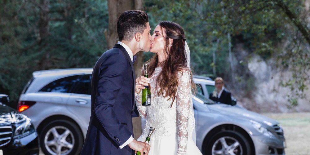 La divertida anécdota de Melissa Jiménez y Marc Bartra al posar para la prensa tras su boda