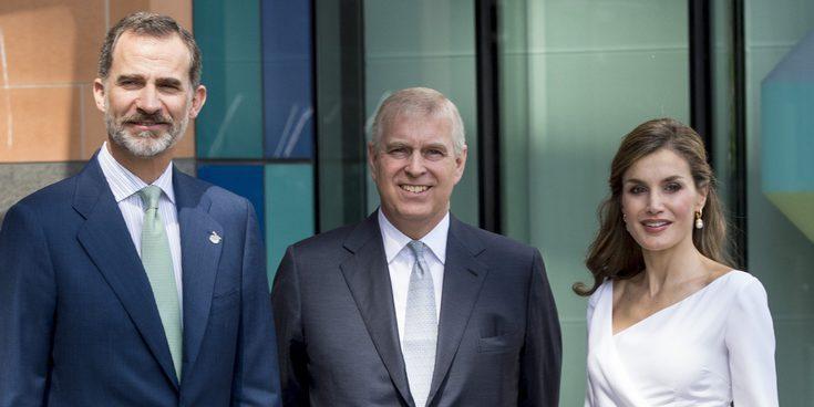 El Rey Felipe y la Reina Letizia finalizan su viaje a Reino Unido en la Universidad de Oxford