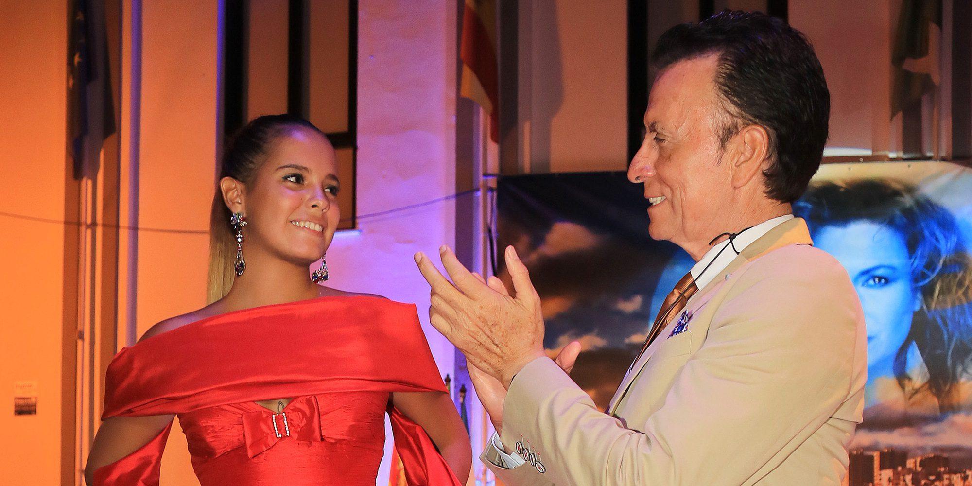 Gloria Camila, espectacular en la Semana Cultural con un vestido que perteneció a su madre Rocío Jurado
