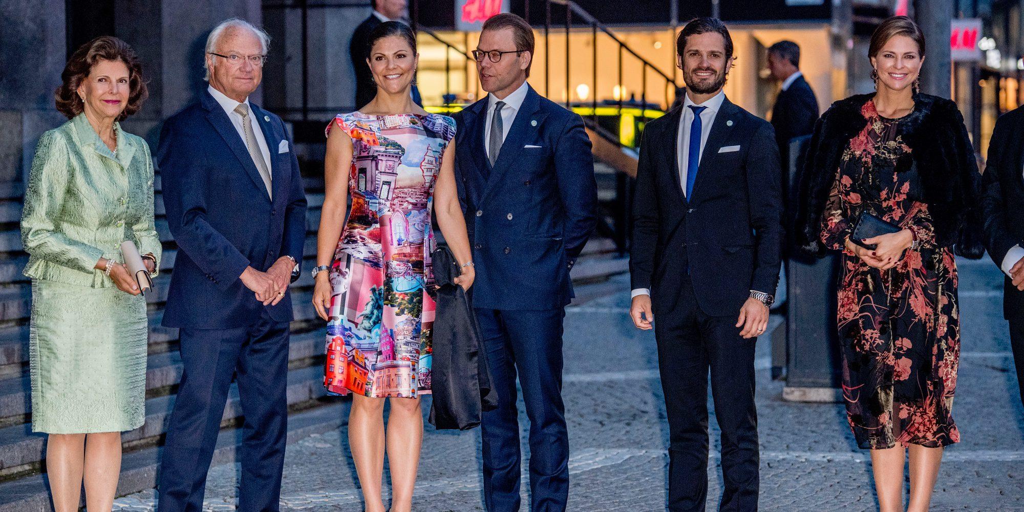 El embarazo de Magdalena de Suecia y la ausencia de Sofia Hellqvist marcan la apertura del Parlamento
