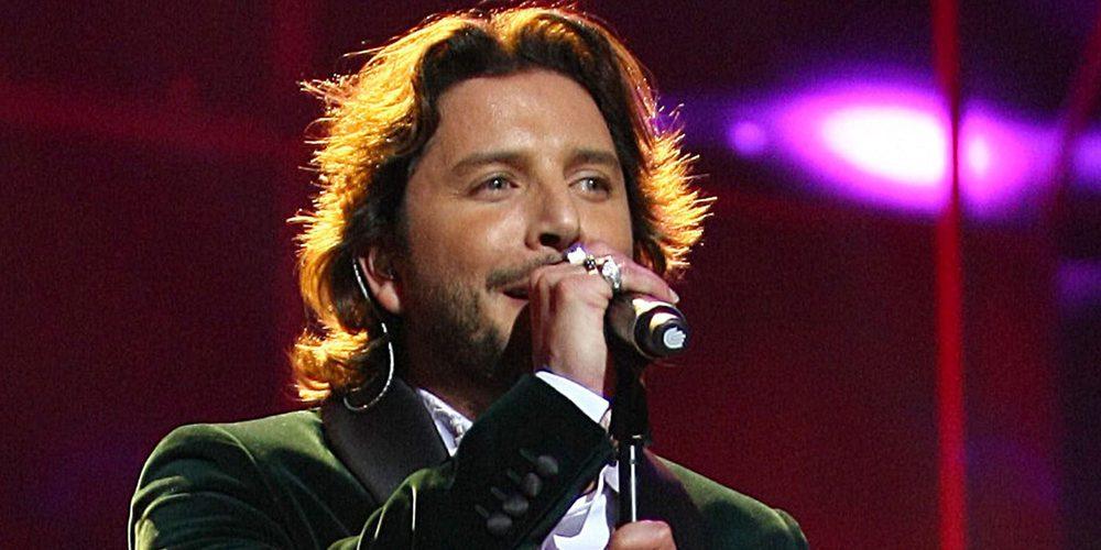 Manuel Carrasco intenta complacer a sus fans tras la cancelación de su concierto fin de gira en Las Ventas