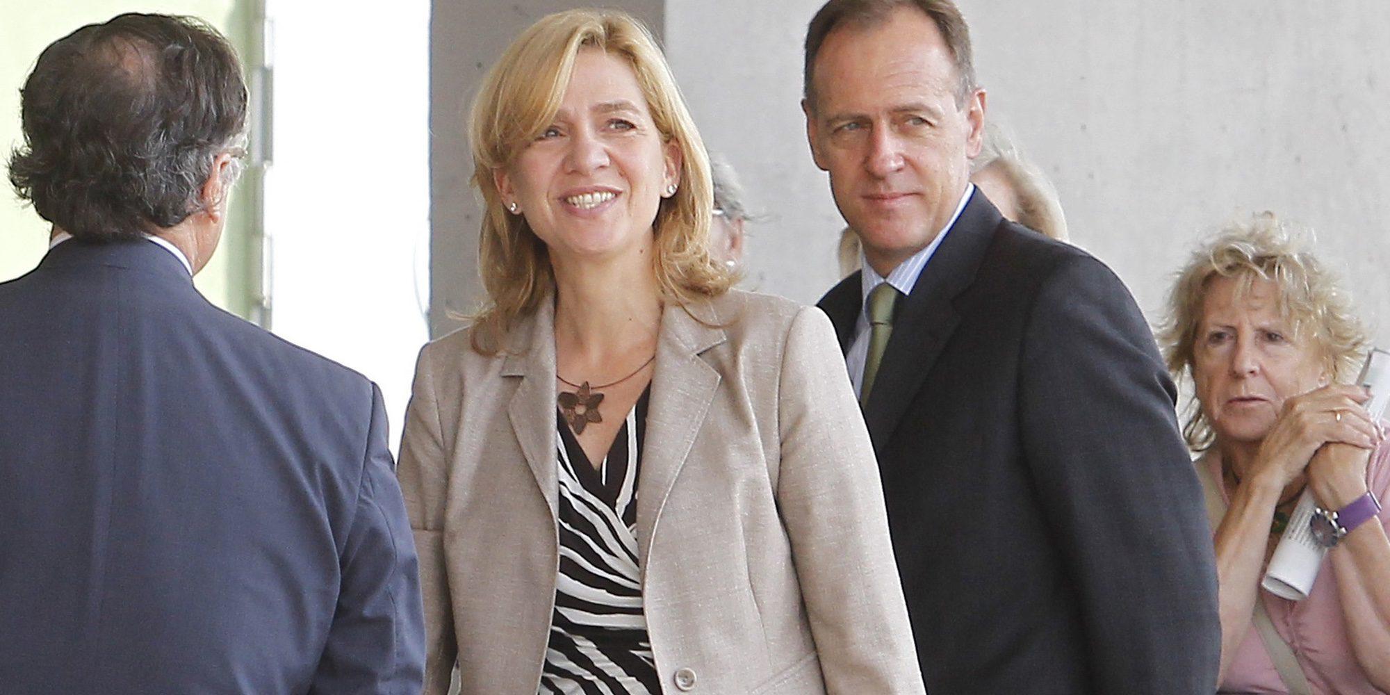 La intensa visita de la Infanta Cristina a Barcelona: reuniones, encuentro con su cuñada y sesión de peluquería