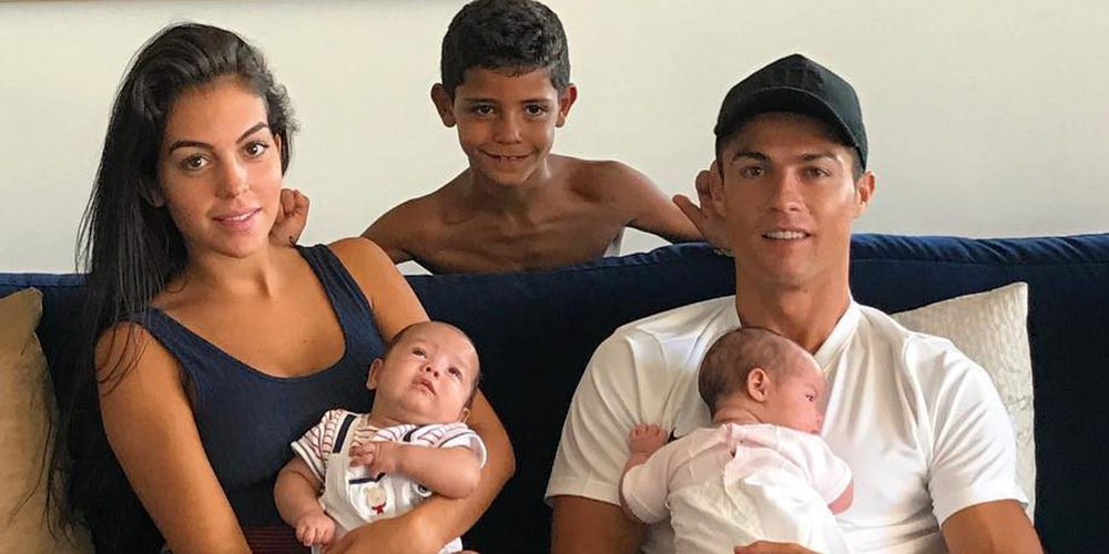 Cristiano Ronaldo disfruta de la mejor puesta de sol junto a Georgina Rodríguez y sus tres hijos