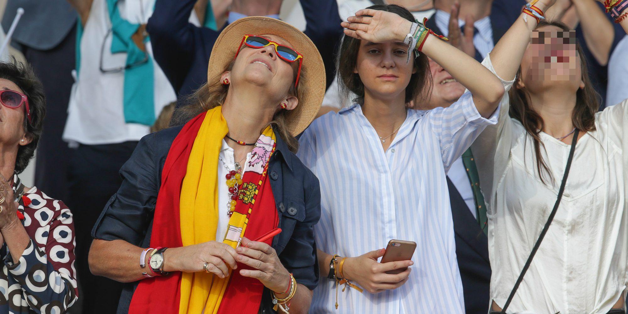 La Infanta Elena y Victoria de Marichalar presumen de españolidad en el Día de la Hispanidad 2017