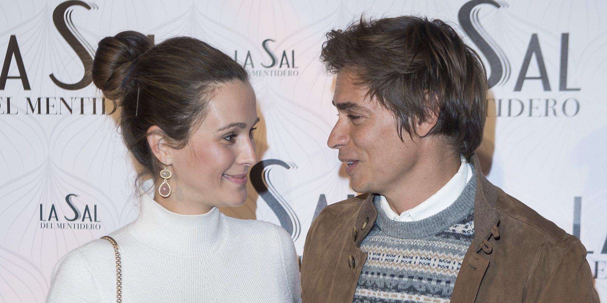 """Carlos Baute y Astrid Klisans, deseando ver la carita a su segundo bebé: """"Estamos muy felices, a ver qué es"""""""