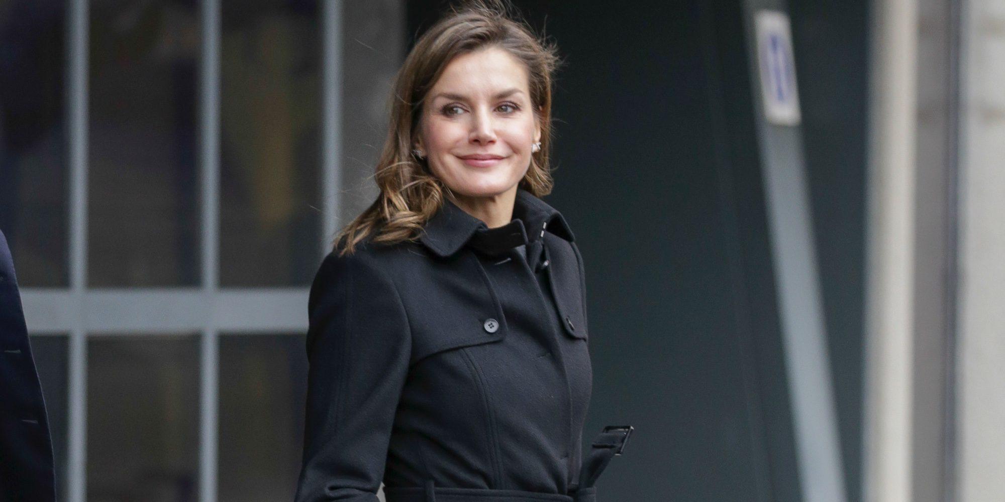 La Reina Letizia, entre un acto oficial recordando su pasado como periodista y una cena con amigas