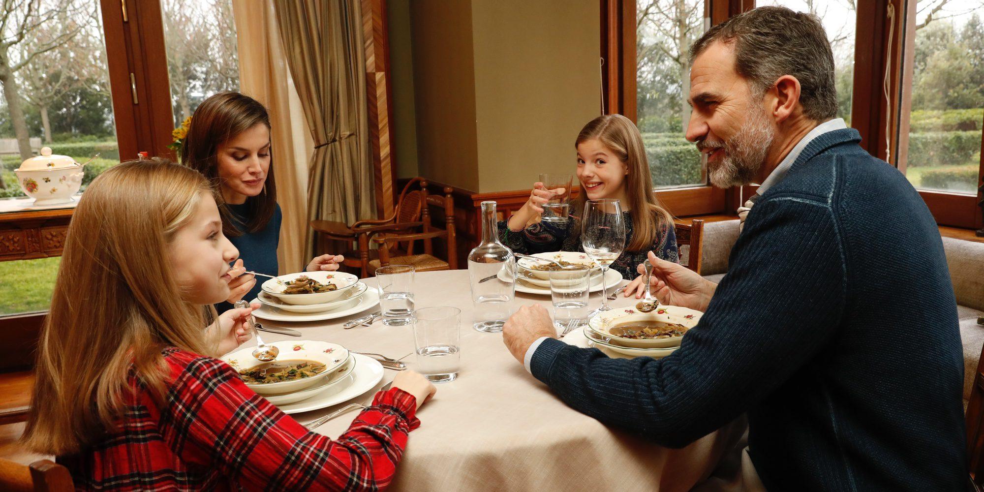 El momento más divertido de Leonor y Sofía en la comida familiar con los Reyes Felipe y Letizia que ha mostrado Casa Real