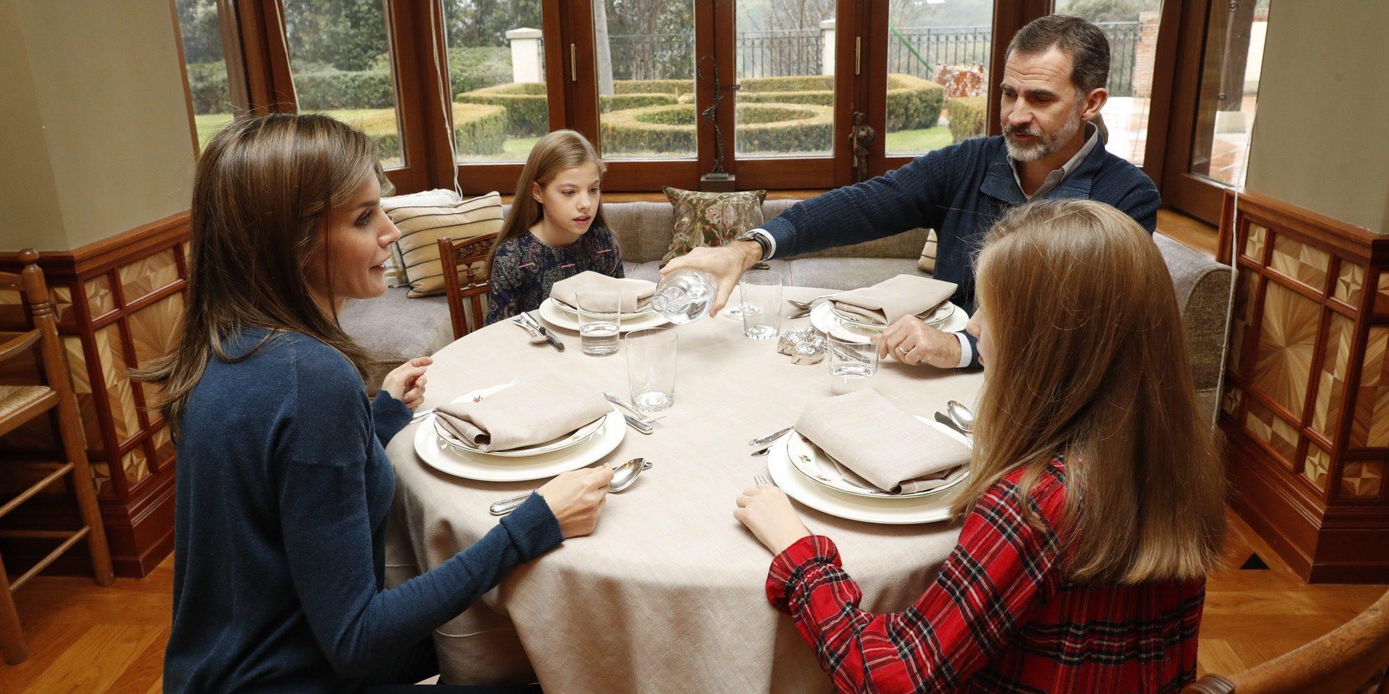 La Infanta Sofía, protagonista de memes y chistes por sus caras en la comida con los Reyes y la Princesa Leonor