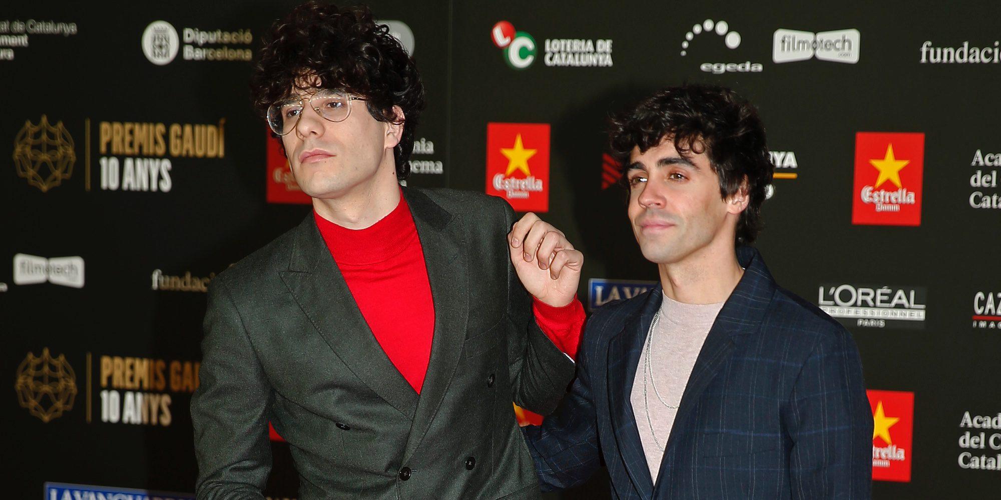 Los Javis protagonizan un beso viral junto a Dulceida y Alba Paul Ferrer en los Premios Gaudí 2018