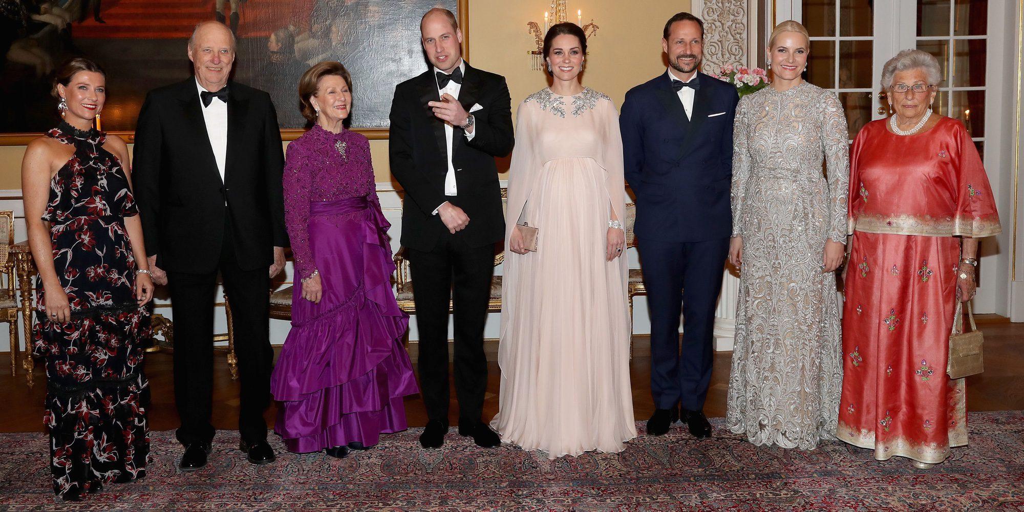 Sonrisas, elegancia, cena de gala y 'Skam': así ha sido el paso del Príncipe Guillermo y Kate Middleton por Noruega