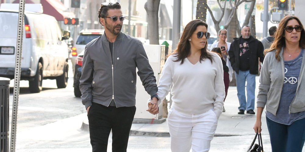 Eva Longoria luce embarazo por las calles de Beverly Hills con su marido Jose Baston