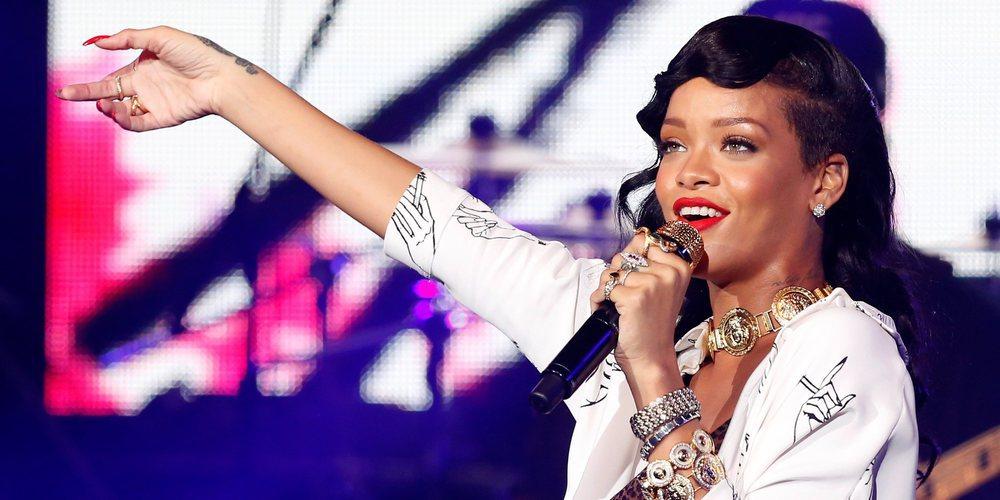 Los 3 momentos más sexys de Rihanna encima de un escenario
