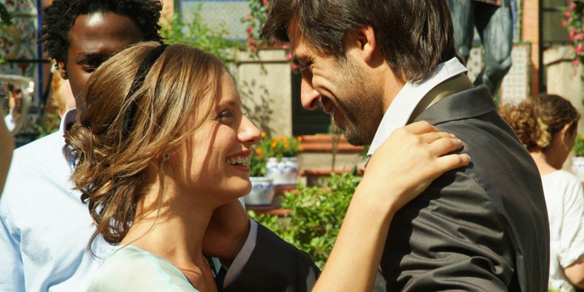 De Sara y Lucas a Carlos y Karina: 11 romances de la ficción española que consiguieron conquistarnos
