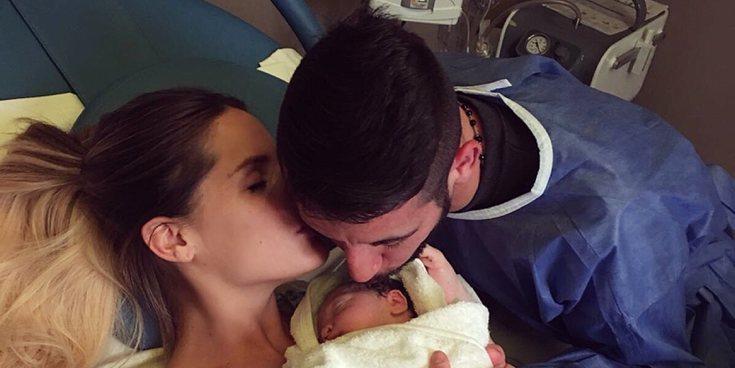 """Gala Caldirola muestra a su hija: """"Bienvenida al mundo mi pequeña"""""""