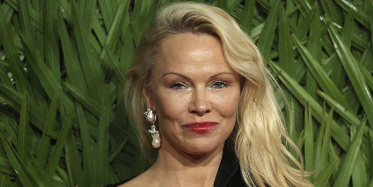 Pamela Anderson cuenta que sufrió abusos cuando era una niña