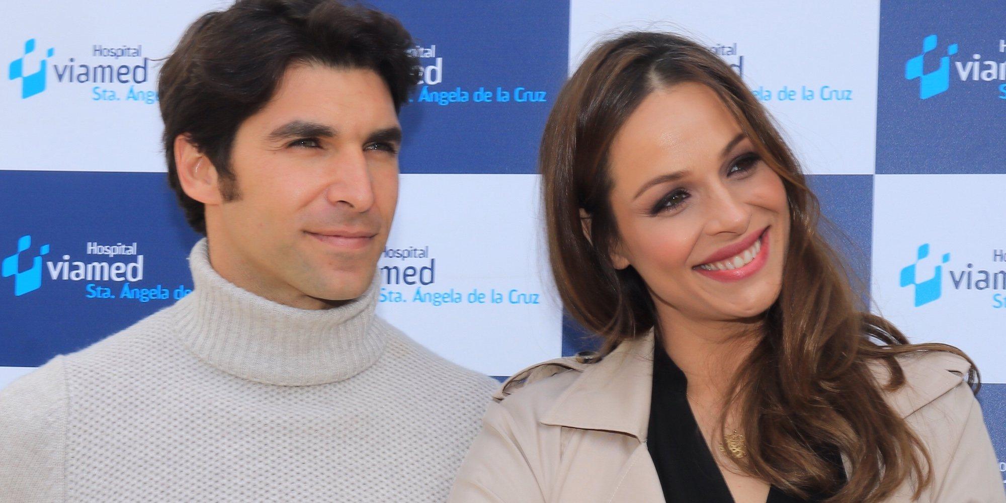 Eva González y Cayetano Rivera presentan a su hijo Cayetano