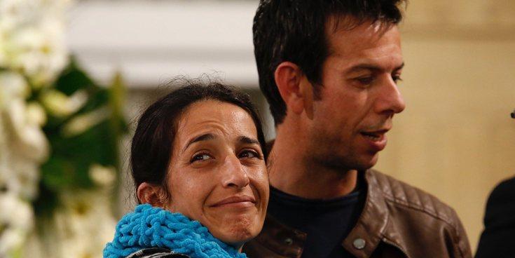 Así ha sido la capilla ardiente de Gabriel Cruz: Sus familiares se han despedido de él rotos de dolor