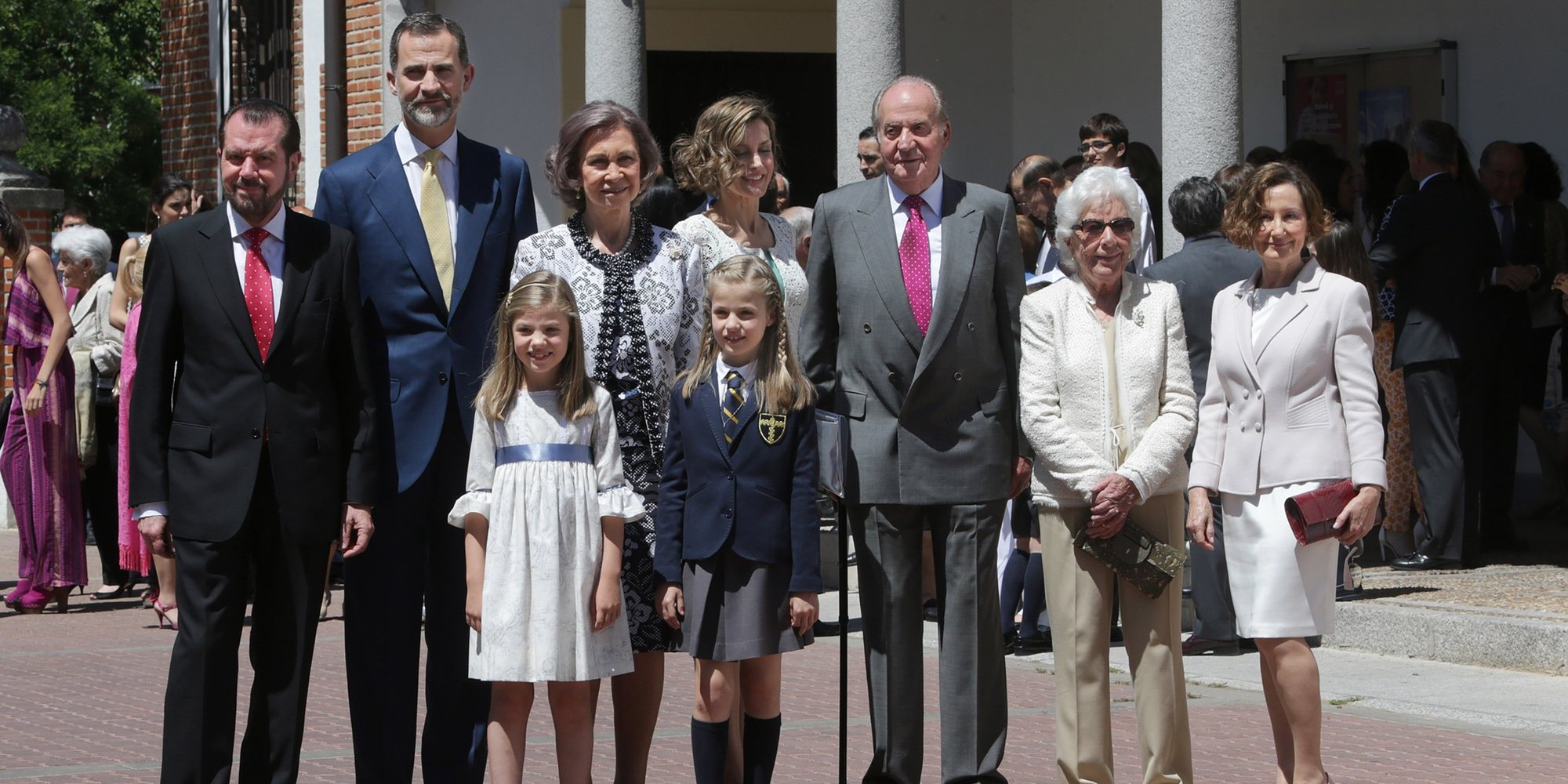 Menchu Álvarez del Valle revela los secretos de los Reyes Felipe y Letizia, la Princesa Leonor y la Infanta Sofía