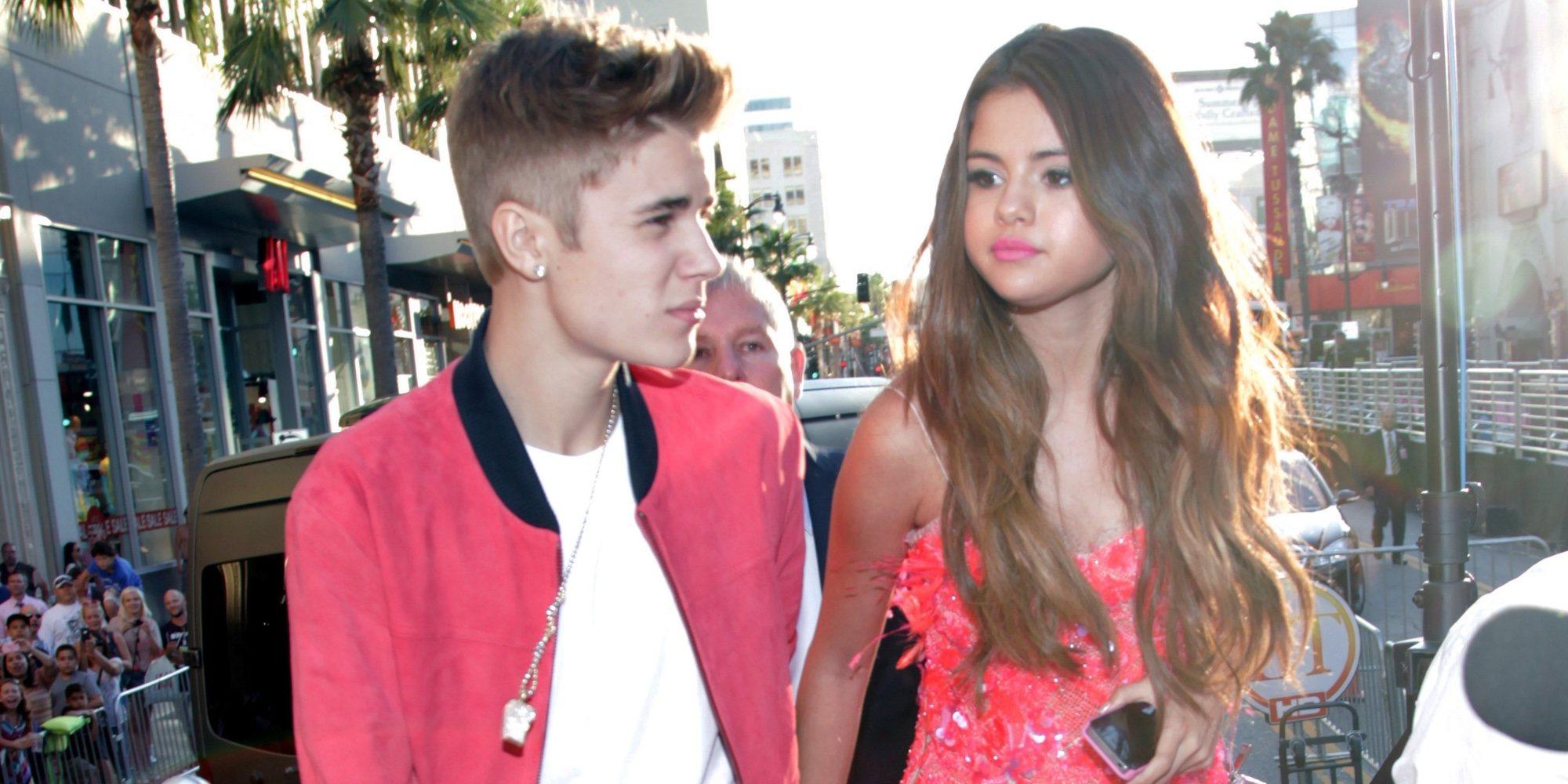 Selena Gomez se relaja en Sidney mientras que Justin Bieber da la nota en Los Ángeles