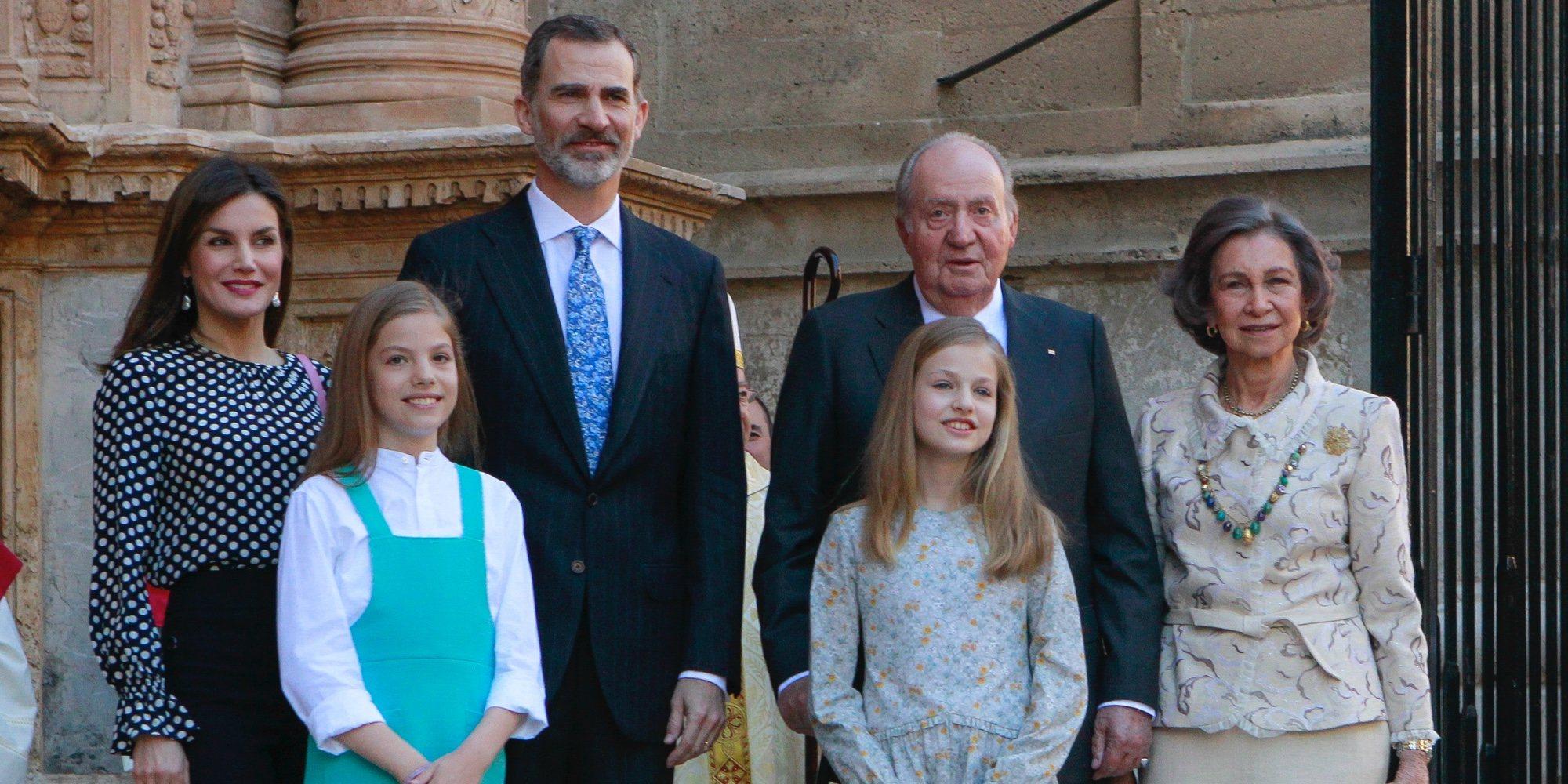 Los Reyes Felipe y Letizia y sus hijas Leonor y Sofía acuden a la Misa de Pascua 2018 junto a los Reyes Juan Carlos y Sofía