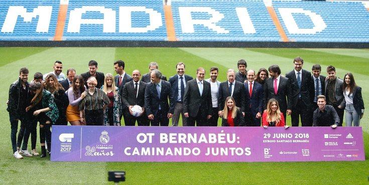 Los 16 participantes de 'OT 2017' se reúnen en el Santiago Bernabéu para presentar su concierto solidario