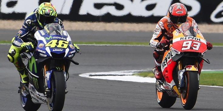 Enemigos Íntimos: Marc Márquez y Valentino Rossi, de la admiración a la rivalidad absoluta