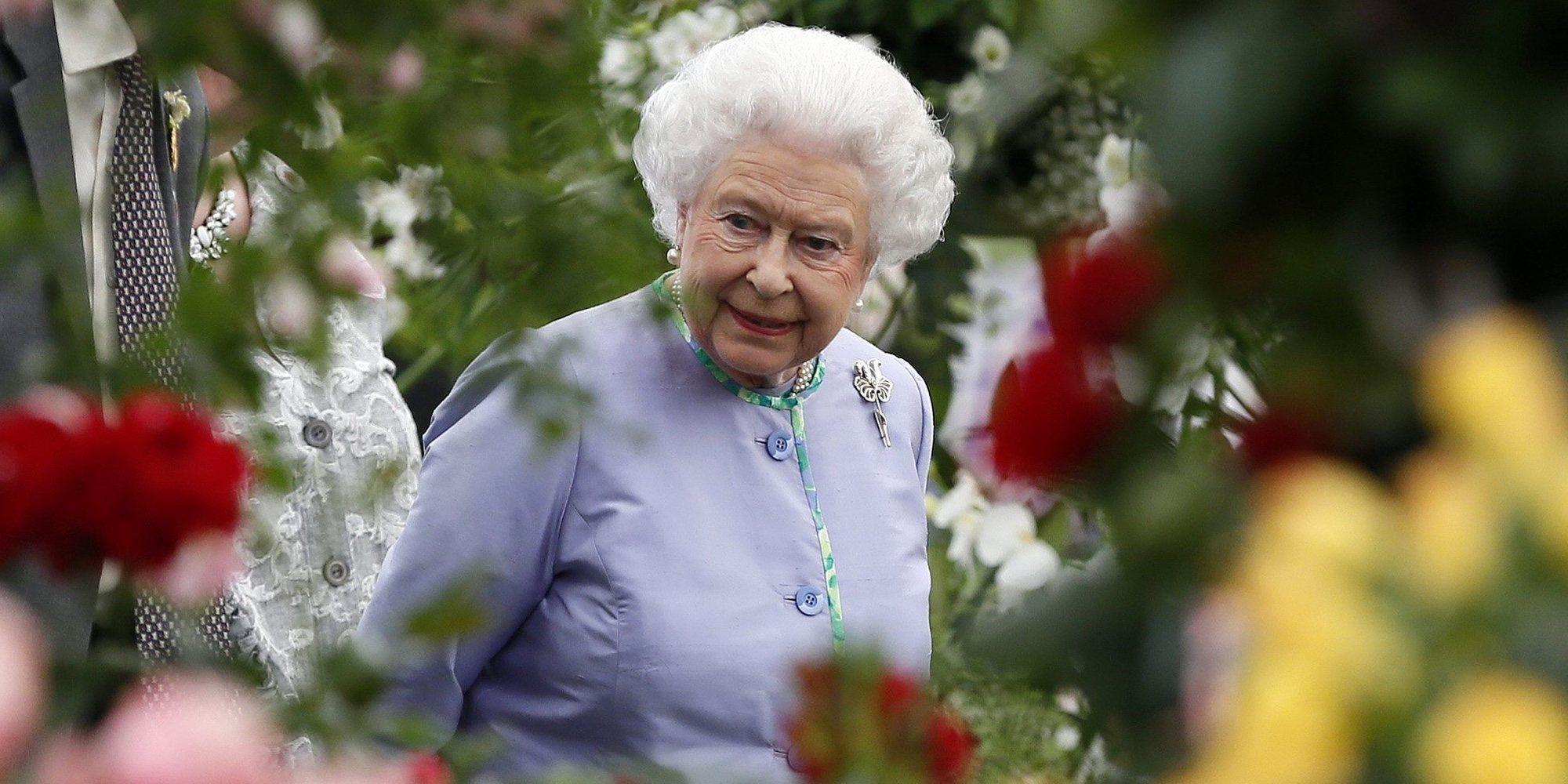 """La Reina Isabel bromea sobre el cambio climático: """"Yo ya no estaré aquí para verlo"""""""