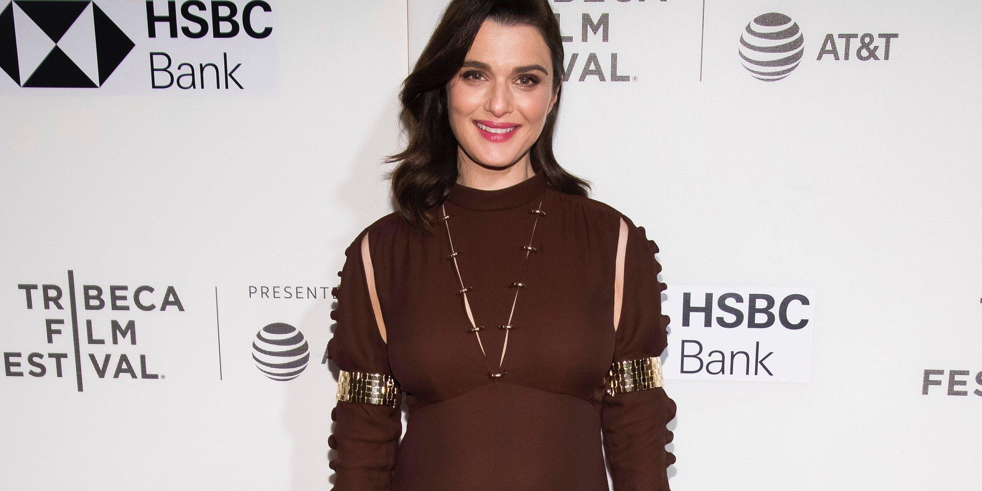 Rachel Weisz presume de incipiente tripita en la alfombra roja tras anunciar su embarazo de Daniel Craig