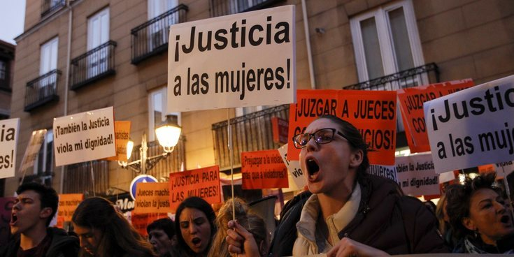 Los miembros de 'La Manada', condenados a 9 años de prisión cada uno por abuso y no por agresión sexual
