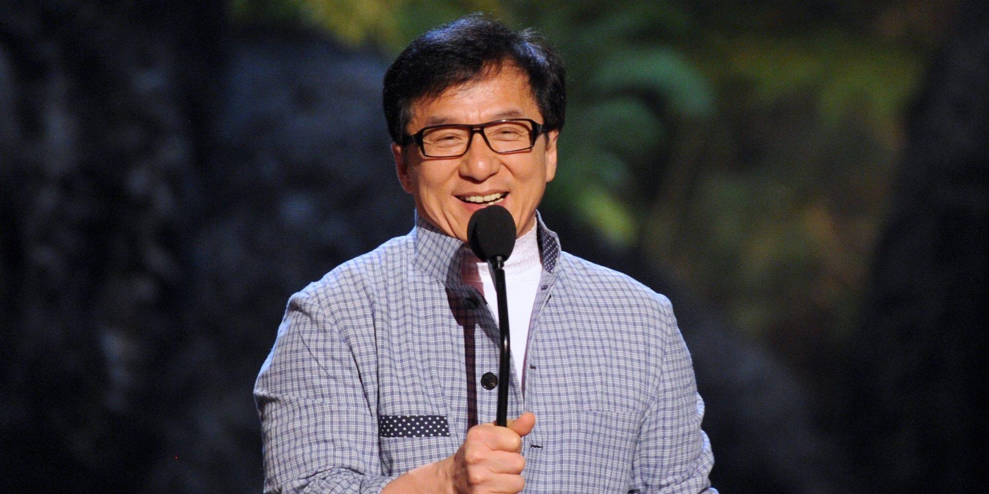 La hija de Jackie Chan, desahuciada y desaparecida con su novia a causa de la homofobia de su familia