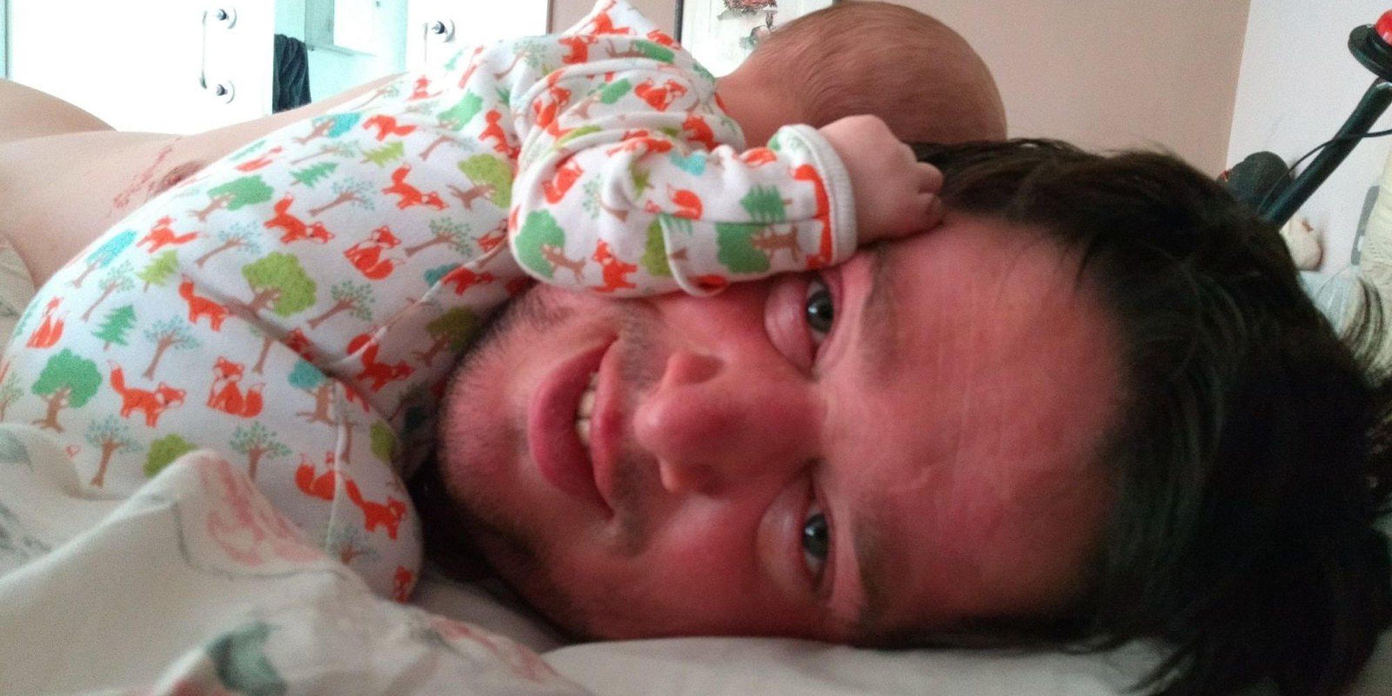 La historia de superación de Tom Nabarro: un padre coraje en silla ...
