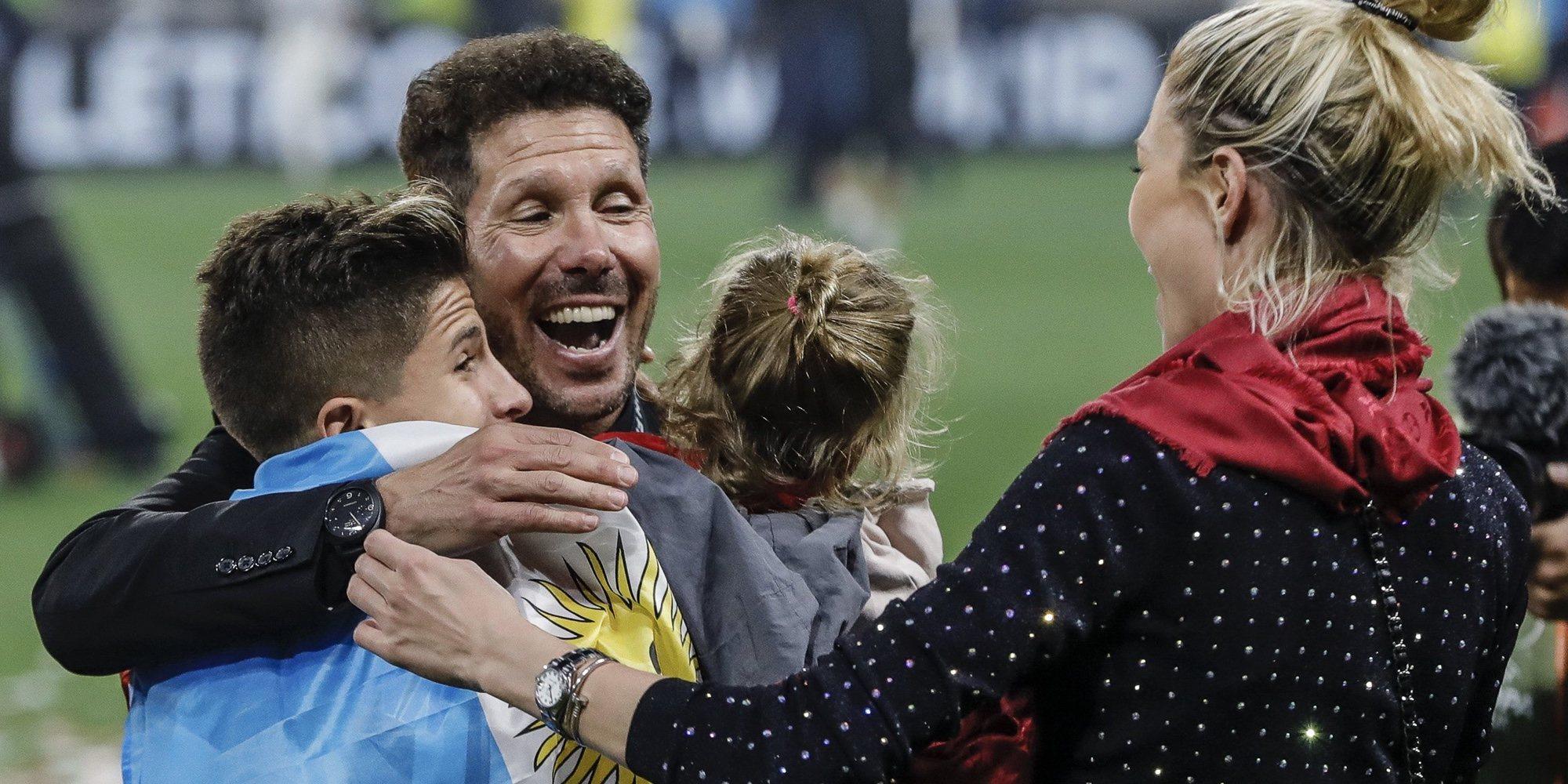 Diego Simeone, feliz con Carla Pereyra y sus hijos por la victoria del Atlético de Madrid en la Europa League
