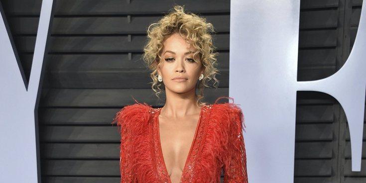 Rita Ora se defiende de las críticas tras confesar su bisexualidad en su nuevo single 'Girls'