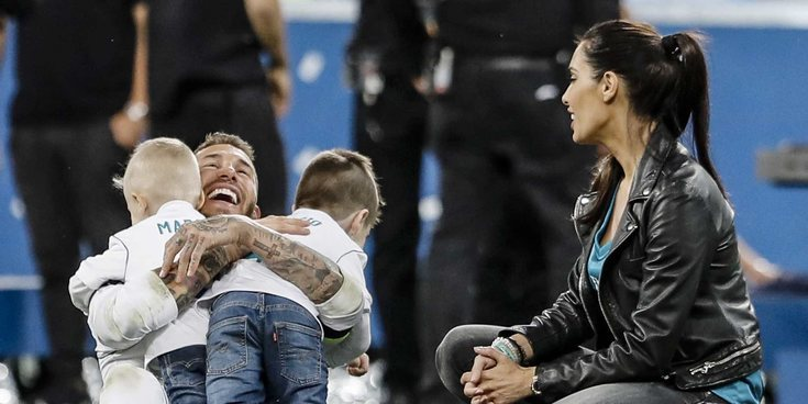 Sergio Ramos, pletórico celebrando la Champions 2018 con Pilar Rubio y sus hijos Sergio y Marco