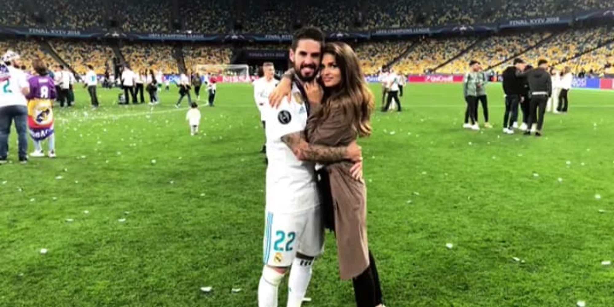 Sara Sálamo y Adriana Pozueco, 'pelea' de 'chaqueteras' en la celebración de la Champions 2018 del Real Madrid
