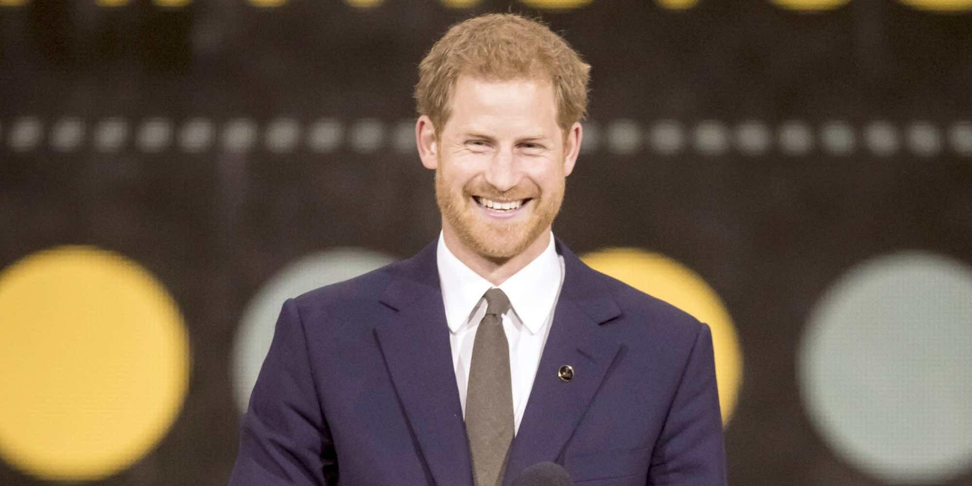 El Príncipe Harry de Inglaterra vuelve al trabajo tras su secreta luna de miel con Meghan Markle