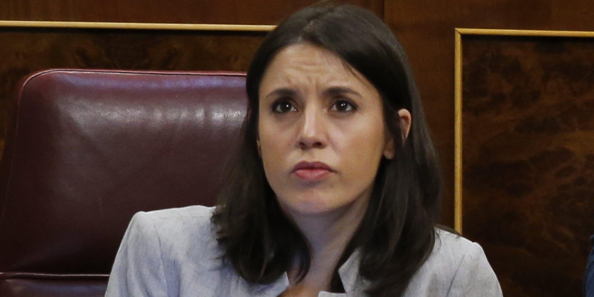 Irene Montero regresa al Congreso muy arropada por todos los diputados tras la muerte de su padre