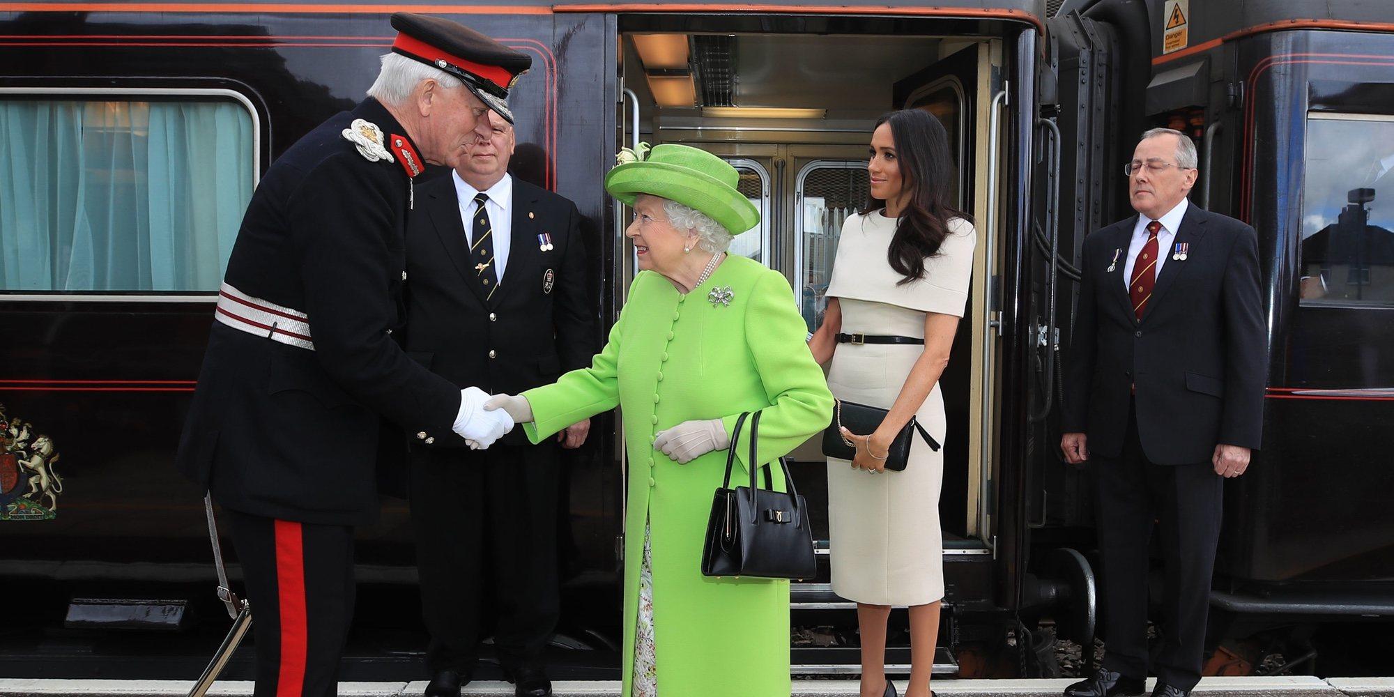 La Reina Isabel y Meghan Markle, todo risas y complicidad en su primer acto juntas