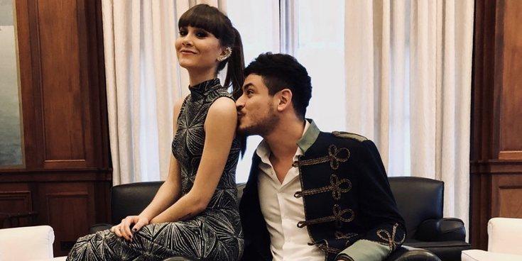 Aitana y Cepeda confirman su relación con un romántico beso en el concierto de 'Operación Triunfo 2017'