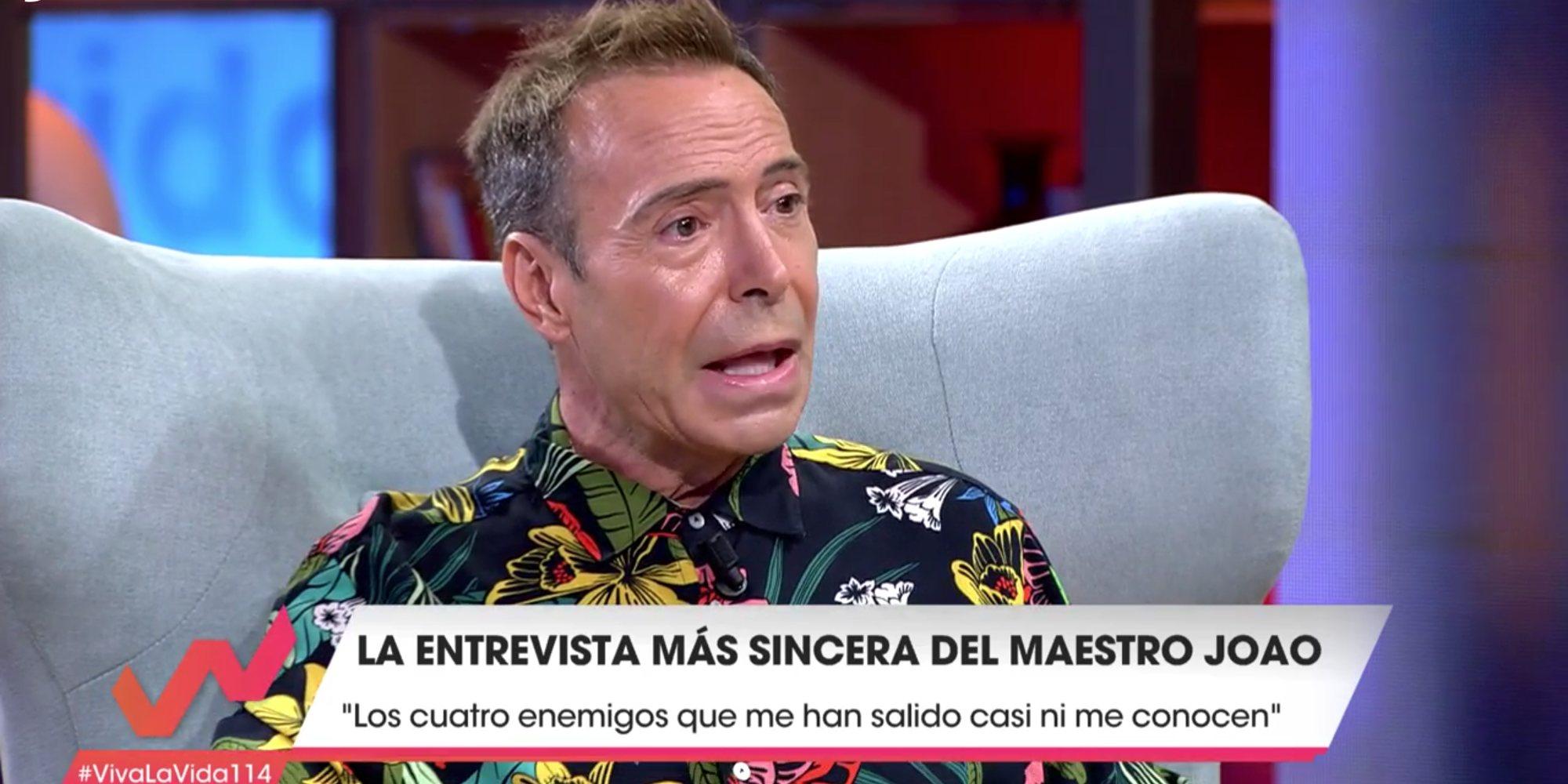 """El Maestro Joao le lee 'el culo' a Toñi Moreno en 'Viva la vida': """"¡Vas a tener un bombo!"""""""