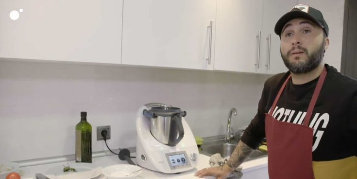 Kiko Rivera no consigue ganar 'Ven a cenar conmigo: gourmet edition' ni con ayuda de la Thermomix